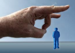 Insbesondere der Verkauf einer Immobilie rechtfertigt keine außerordentliche Kündigung eines befristeten Mietvertrags mit festen Laufzeiten.